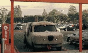 Walmart usa carros famosos do cinema em novo comercial promovendo serviço de retirada em suas lojas nos Estados Unidos 6