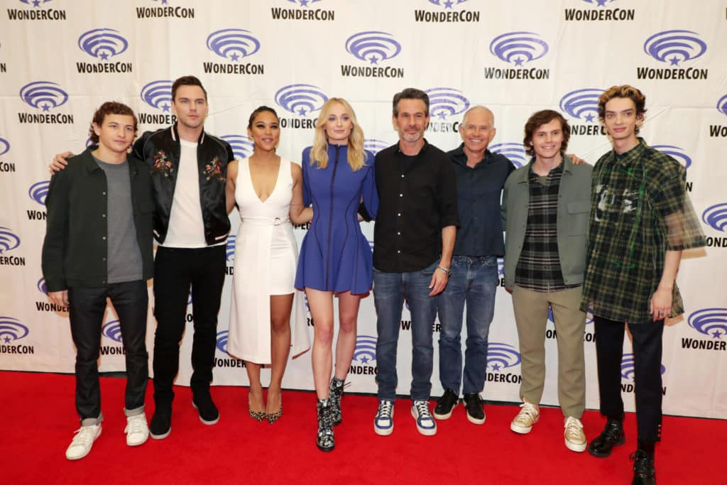 "Fox divulga fotos dos elencos de ""Tolkien"" e ""X-MEN : Fênix Negra"" na Wonder Con 2019 1"