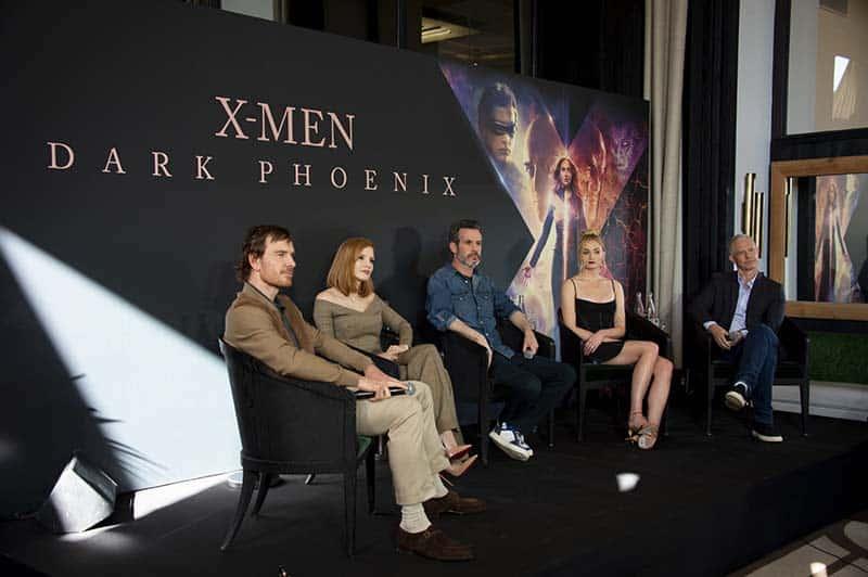 Em turnê de divulgação para X-Men: Fênix Negra, elenco passa pela Cidade Luz