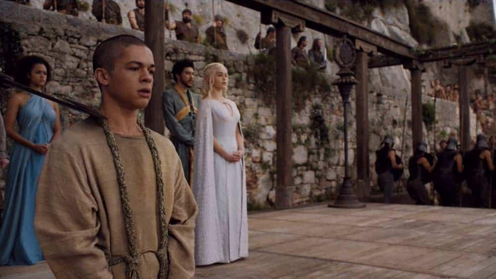 Reece Noi como Mossador em cena de Game of Thrones da HBO