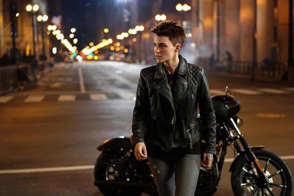 Ruby Rose como Kate Kane no seriado Batwoman do The CW