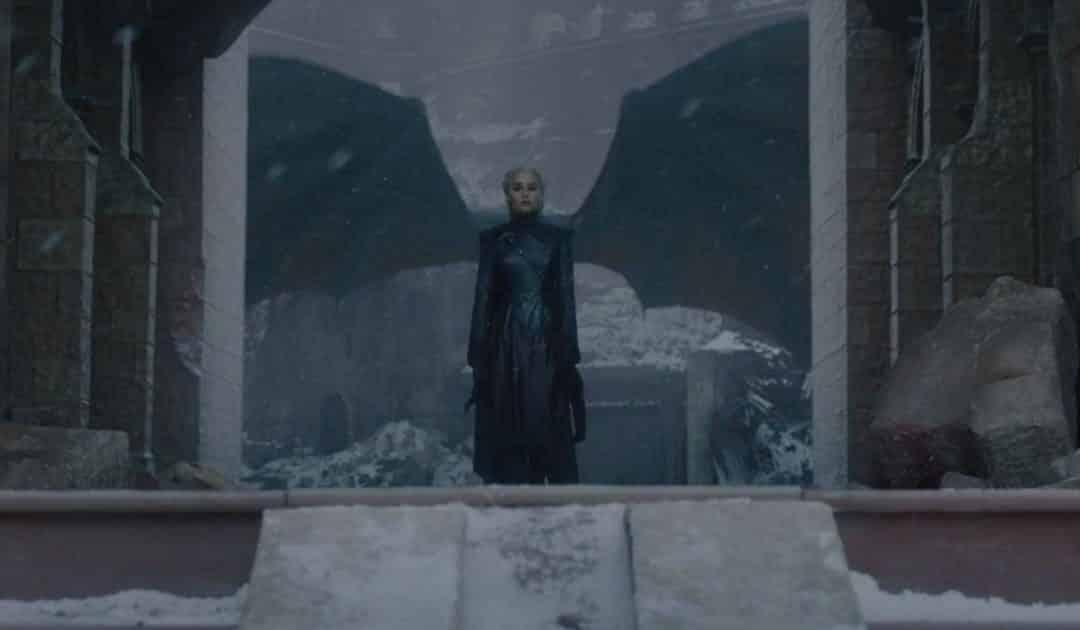 Game of Thrones: Emilia Clarke assistiu a discursos de Hitler para preparar o discurso final de Daenerys